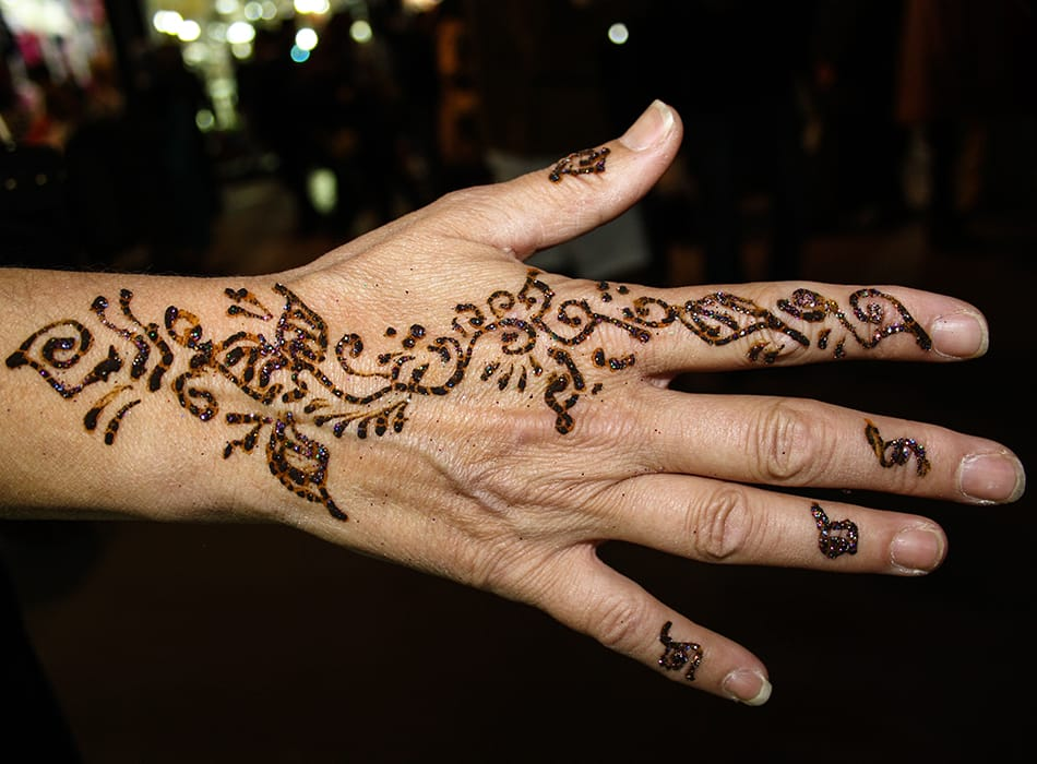 Professional henna tattoo artists for hire in austin epic for Henna tattoo process